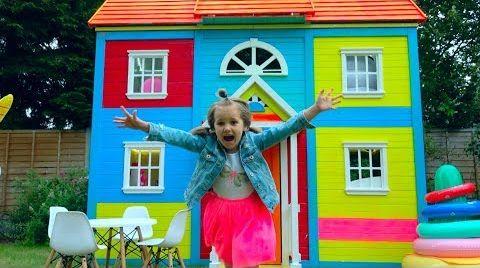 Видео 8 000 000 РАЗЫГРАЛИ КАТЮ и ставим мебель в 2 этажный DIY домик для детей  и 8 млн подписчиков