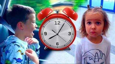 Видео Challenge Кто быстрее/ Мальчики ПРОТИВ Девочек/ ММс и Disney World/ Новый Челлендж
