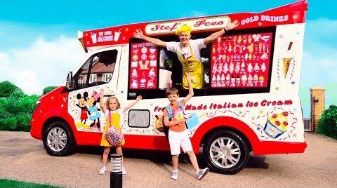 Видео Дети играют в вагончике мороженого