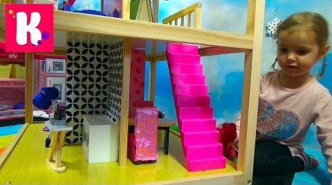 Видео Домик для кукол с мебелью / Играем куклами / Обзор игрушек
