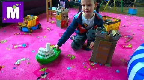Видео Едем в торгово развлекательный центр покупаем игрушки играем на площадке