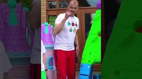 Видео Funny moments of Floor is Lava Challenge #shorts