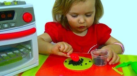 Видео Готовим блинчики с начинкой/ игра для девочек