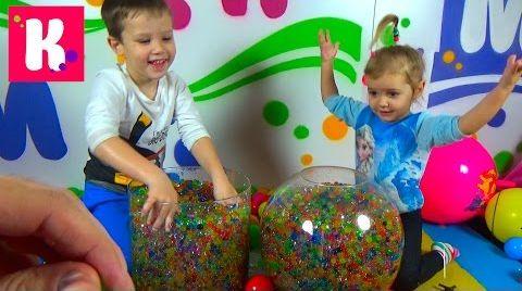 Видео Игрушки в разноцветных шариках Orbeez / Найди сюрприз в Orbeez / Челлендж для детей