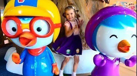 Видео Indoor Soft play pool Pororo/Два факта о маме Кати/неВкусное мороженое и конфеты на дереве