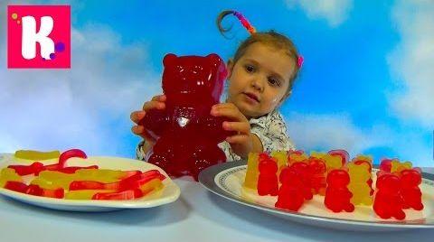 Видео Катя делает Желейных мишек и червяков на Гамми Мэйкер