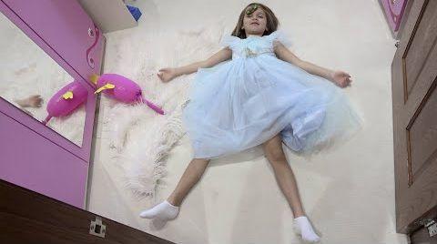 Видео Катя хочет стать настоящей принцессой