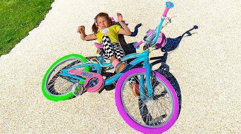 Видео Катя и её новый велосипед