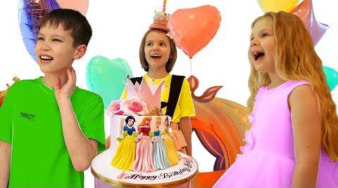 Видео Катя и её подарки на День Рождения 8 лет