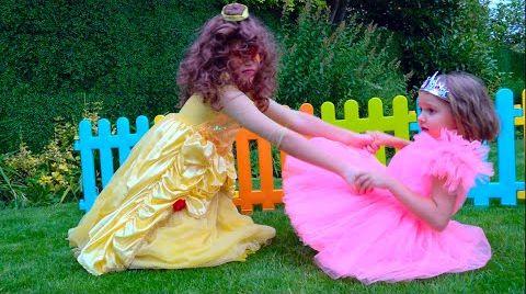 Видео Катя и ее подружка Не поделили платья