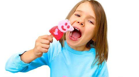 Видео Катя и её вкусное мороженое