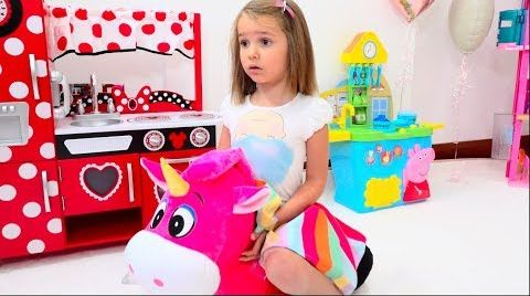 Видео Катя и игрушки для девочек