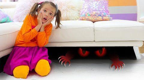 Видео Катя и история про смешного монстрика под кроватью