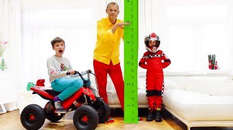 Видео Катя и Макс хотят быть выше и прыгать на батуте