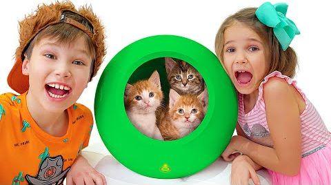 Видео Катя и Макс играют с домашними животными