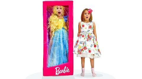 Видео Катя и Макс на диско с куклами