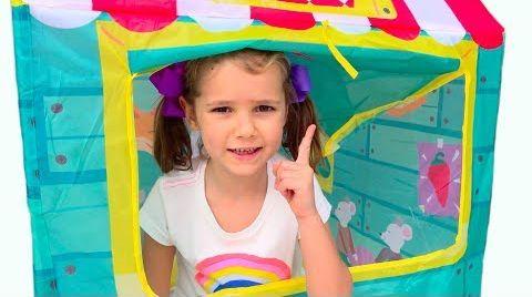 Видео Катя и Макс сами построили игровые детские домики