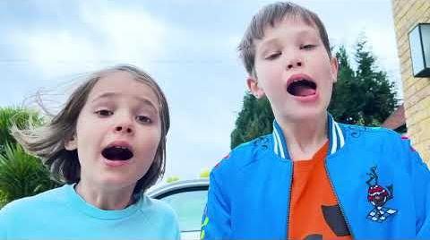 Видео Катя и Макс устроили Пицца Челлендж для папы