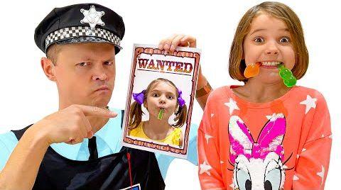 Видео Катя и смешные приключения с полицейским и желкаами