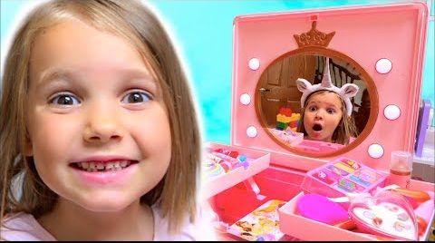 Видео Катя и волшебное зеркало... Домик для Волшебной лошадки