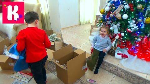 Видео Катя с Максом наряжает игрушками новогоднюю ёлку / Декорируем дом 2015