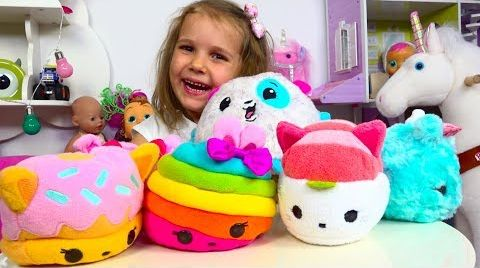 Видео Катя сама сняла видео о новых игрушках . Katy Unboxing new toys