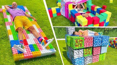 Видео Кто построит лучше кровать для улицы из кубиков и лего