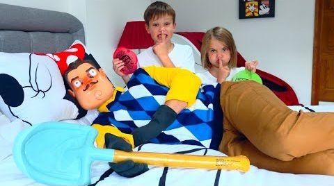 Видео Макс и Катя играют с Привет Сосед