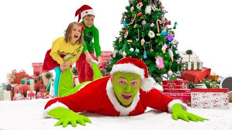 Видео Макс и Катя украшают дом к Рождеству