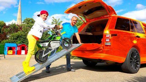 Видео Макс и Катя застряли в болоте на мотоциклах