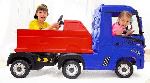 Видео Макс и новая машина со смешными колёсами