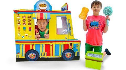 Видео Макс и папа играют в вагончик мороженого