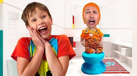 Видео Макс, Катя и папа играют в роли кукол