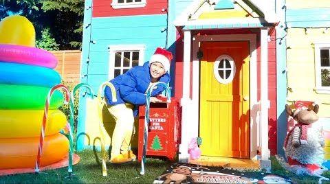 Видео Макс ПЕРЕПУТАЛ Рождество и Дети не поделили игрушки