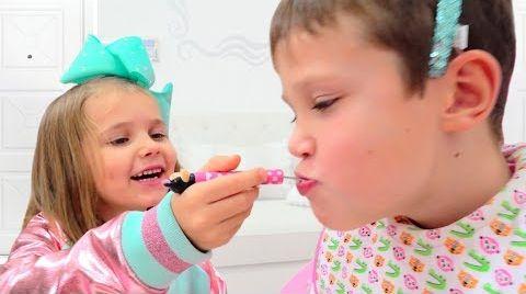 Видео Minnie Катя играет с Максом