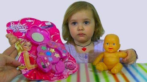 Видео Набор детской косметики Barbie