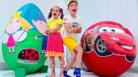Видео Огромное Яйцо с игрушками Тачки Молния Маккуин и Маленькое Королевство Бена и Холли
