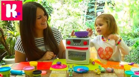 Видео Оладки из пластилина/ играем игрушечной плитой