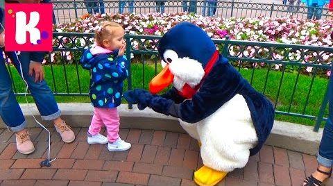 Видео Париж День 1 Диснейленд погуляем катаемся на поезде/ Шарик Минни Маус/ Disneyland Park Paris