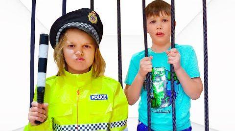 Видео Полицейские Катя и Макс ловят нарушителей