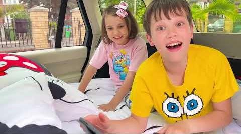 Видео Провели Целый день у папы в машине Макс и Катя