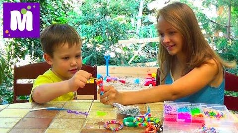 Видео Rainbow loom браслетик плетем с Владой