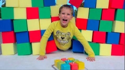 Видео Разыграли Макса и засыпали всю комнату цветными кубиками  9 миллионов Foam Pit prank