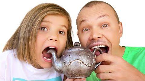Видео Шоколад и настоящее Челлендж Макс и папа с Катей