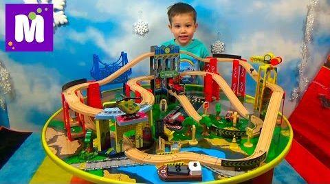 Видео Стол трек ж/д дороги играем машинками распаковка игрушки Kidcraft City Explorer