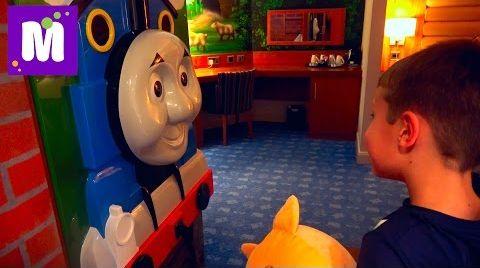 Видео ВЛОГ На машине к Томасу Мороженое из МакДональдса Kit Kat и OREO отель как в мультике Томас и Друзья